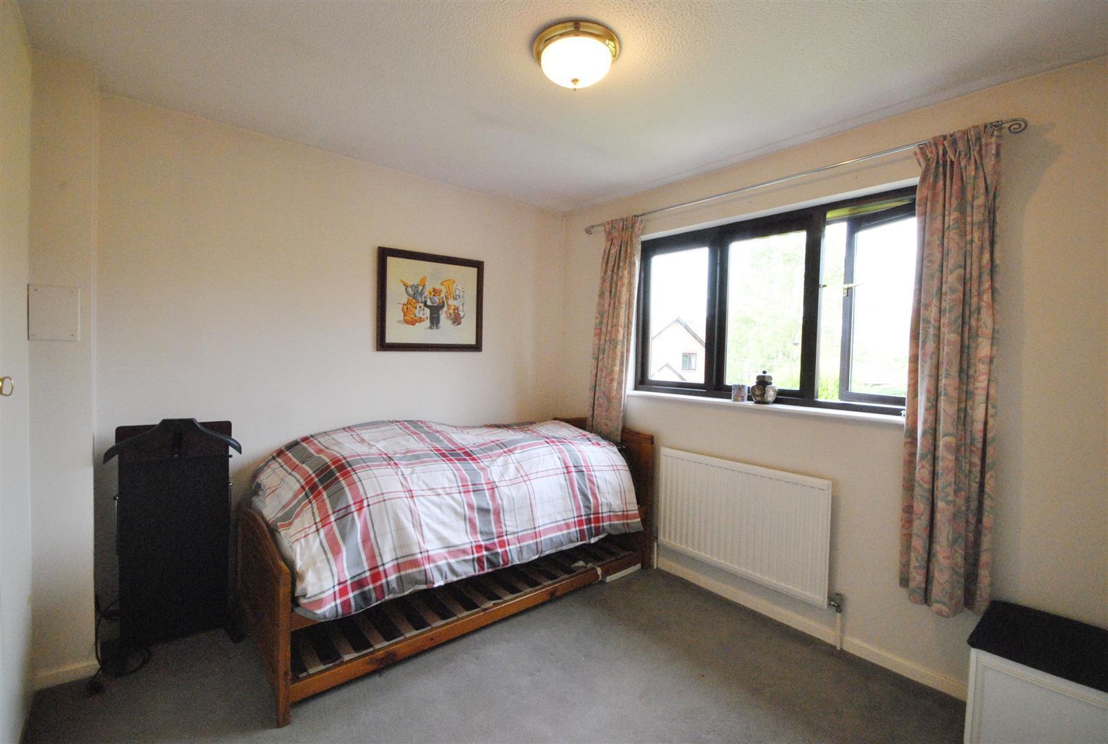 4 Bedrooms, House - Detached